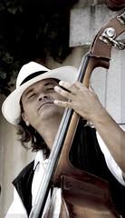 musicista (marcopesavento) Tags: street praha praga nikond50 ritratto musicista nikonstunninggallery fiveflickrfavs nikkor70210mmaf