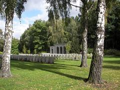 05035 Berlin War Cemetery (golli43) Tags: berlin cemetery germany soldiers westend charlottenburg wargraves secondworldwar britishsoldiers heerstrasse alliedsoldiers