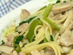鶏肉と小松菜のスパゲティ