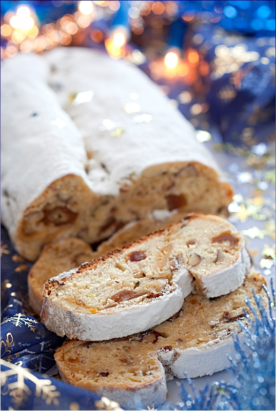 Quark-Stollen with dates and figs