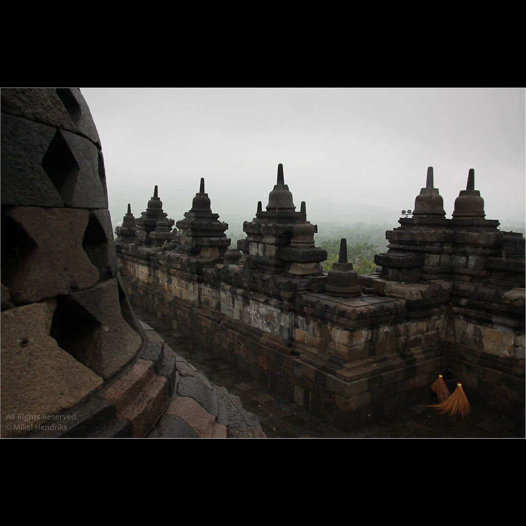 Cleaning the Borobudur