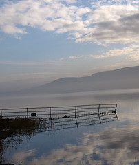 Loch Leven (B4bees) Tags: morning blue lake nature water birds fence reflections scotland fife reserve hills fencing loach kinross lochleven llnr lochlake llht