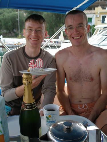 Strudel and champagne