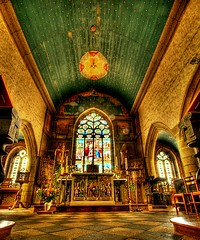 Eglise de Goulven (fabsenstylsen) Tags: france frankreich kirche bretagne breizh altar 29 kirchenfenster goulven