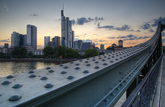 Frankfurt Skyline from Eiserner Steg I (Philipp Klinger Photography) Tags: bridge sunset skyline river frankfurt steel main girder commerzbank peopleschoice eisernersteg eurotower abigfave 5for2 anawesomeshot aplusphoto 200750plusfaves superhearts peopleschoicerecovery platinumheartaward theperfectphotographer great123 dcdead