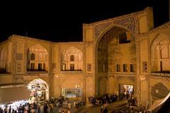Qeysarieh Gate (Omid .::. O+) Tags: iran ایران esfahan bazar جهان isfahan imamsquare بازار شب اصفهان نقش امید naghshejahansquare میدان قیصریه