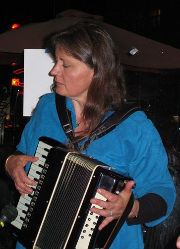 Robin with Accordian