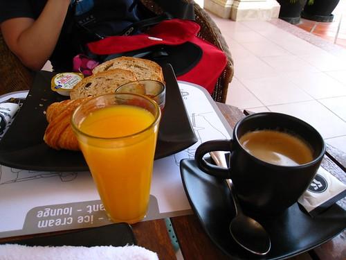 Siem Reap Breakfast Set.JPG