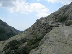 Le sentier pour monter au refuge de Manganu
