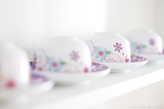 cups (mario kojima) Tags: flower cup coffee cotidiano blurred floridas xicaras twtmeiconoftheday