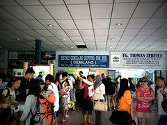 Buying tickets for the ferry to Pulau Tioman from Tanjong Gemuk