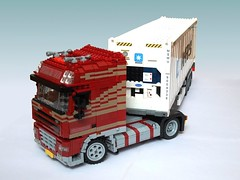 DAF XF105 (2) (Mad physicist) Tags: dutch truck lego container reefer 122 daf xf105