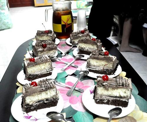 home cake dvd watching mocha