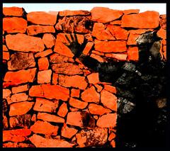 (Giovanni Picuti, già Buferanera) Tags: shadow muro wall ombra bodylanguage montale colourartaward