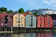 Trondheim 10 (iM@n) Tags: life houses urban house color reflection norway architecture river colorful quality experience conference trondheim multimedia 2010 mygearandmepremium mygearandmebronze mygearandmesilver qomex