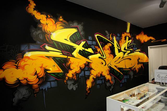 tobe77-atx-store2010-graffiti