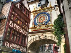Rouen - Le Gros Horloge 03 08 07