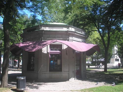 Vespasienne at Cabot Square