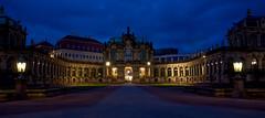 Freitag Abend in der Stadt (Meinhardt Branig) Tags: abend licht dresden zwinger nacht stadt architektur blau dunkel dunkelheit