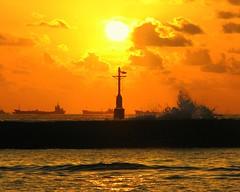 Last sunset of July 2007 (╚ DD╔) Tags: sunset sea sun color beautiful didi naturesfinest blueribbonwinner supershot madlives