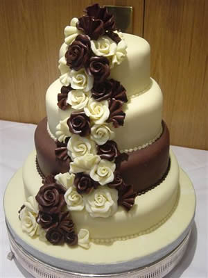 Chocolate Wedding Cakes by lilayus.