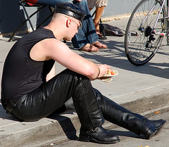 DSC_2330.JPG (SwedeInSF) Tags: sanfrancisco gay leather fetish lesbian folsom lgbt queer folsomstreetfair leathermen folsomstreetfair2007 upcoming:event=221936
