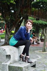 [フリー画像] 人物, 女性, アジア女性, 頬杖をつく, 台湾人, 201107182100