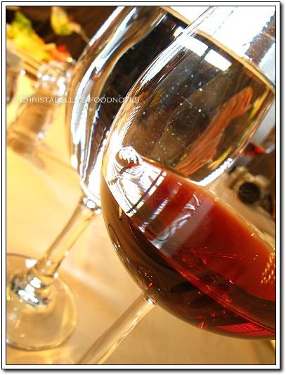 世貿聯誼社西餐廳自備紅酒