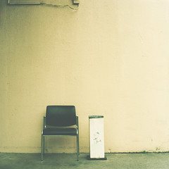 (_namtaf_) Tags: texture 6x6 film japan wall tokyo chair vip ashtray jt leagueoftheemptychair p6tl