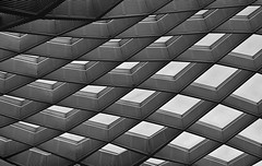 Windows Vista (jsuhanick) Tags: camera windows roof blackandwhite bw usa white abstract black monochrome museum diamonds dc washington 3d pattern interior capital optical ceiling illusion escher mcescher nationalcapital nationalportraitmuseum districofcolumbia caonon 40d canon40d