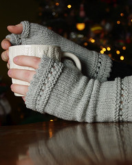 Cozy Mitts (kathrynivy.com) Tags: knitting soft gray knit gloves 2009 mittens fingerless picot freepattern heathergrey janellemasters susiesreadingmitts sublimeextrafinemerinowooldk 2009mosaic