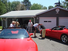 Ron checking Kelly's tires (redvette) Tags: corvette rivervalleyvettes redvette tomhiltz