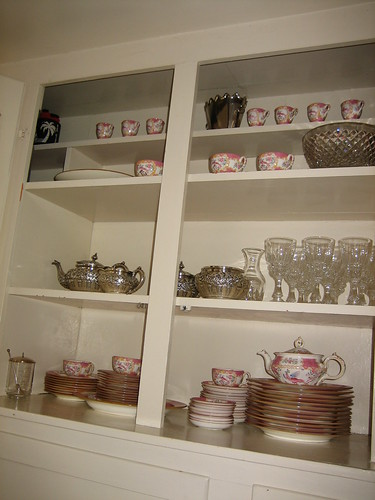 Built in cupboard boasting some beautiful china, via Flickr: jessicav|jecca