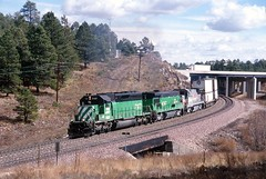BNSF westbound freight, climbing the Arizona Divide, west of Flagstaff, 1999 (Ivan S. Abrams) Tags: arizona electric diesel ivan getty abrams ge locomotives gettyimages