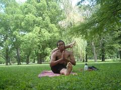 Eka Pada Sirsasana (YogiOdie) Tags: park trees shirtless male feet nature grass yoga stretch shade stretching contortion flexibility flexible towergrovepark limber ekapadasirsasana frontbend legbehindhead