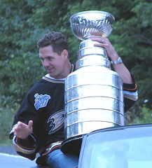 joe dipenta with Lord Stanley's mug