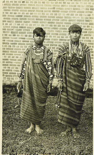 Philippines - men in traditional costume indigenous black white old Philippinen  菲律宾  菲律賓  필리핀(공화�) Pinoy Filipino Pilipino Buhay  people pictures photos life , Filipinos, man, costume