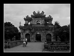 Hue.Vietnam (makita ^) Tags: bw asia vietnam hue platinumheartaward