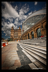 STATION FRONT (Derek Hyamson) Tags: station architecture liverpool railway limestreet