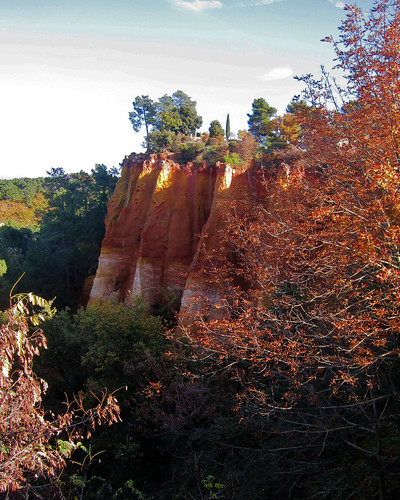 IMG_2357: Red Clay Cliffs at Roussillon