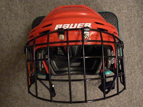 20070724 Bauer 5000 helmet/Itech RBE III 1/2 wire cage: front