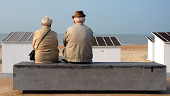 after a long long way together... (Werner Schnell (1.stream)) Tags: strand nikon meer paar zee oostende belgien ws ostende nikond200