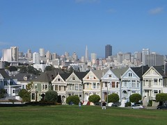 Alamo Square - Painted Ladies und Skyline