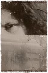 06 - Feminino (FrodoMR) Tags: woman white luz sol beauty branco landscape photo pretty hand mulher dream picture dry paisagem grama linda lovely fotografia seca mundo sonho mão lampião