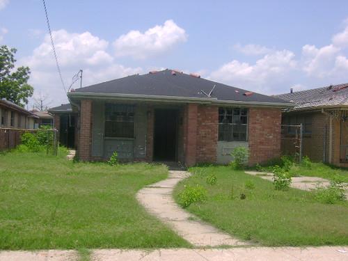 2406-08 Lamanche St