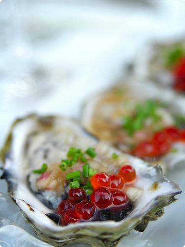 Hama Hamas Oysters with Mignonette