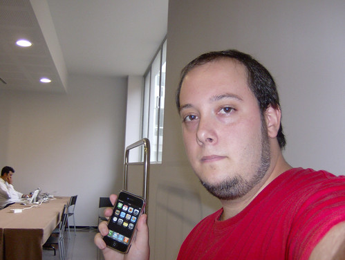 Huang-Lû con un iPhone