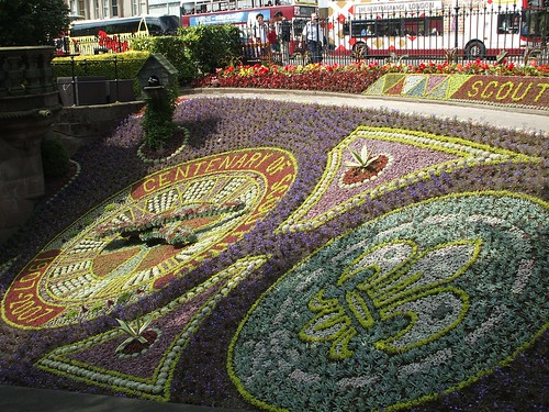 Floral Clock by Queenbie.