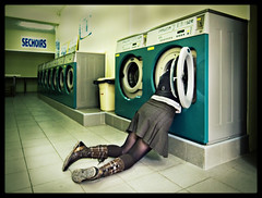 127-Lavage de cerveau (Brain wash) (gillespinault) Tags: woman green feet weird funny boots head skirt wash laundry horror 365 brainwash ricoh insolite onepictureperday mashine photodujour onepictureaday project365 unephotoparjour gx100 project366 gillespinault akigilles gillespinault366 akietgilles366