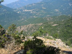 A la brèche W de la pointe 1182 m: Vicu et la vallée
